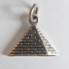 Prívesok - Pyramida